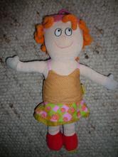 Závěsná panenka taf toys,