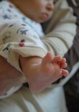 moje roztomilá dvouměsíční nožička :-)