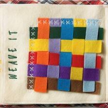 provlékání proužků z filcu http://www.familysafemedia.com/quiet_book_-_quiet_activity_bo.html
