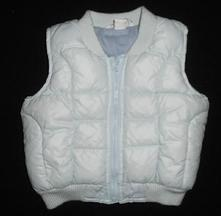 Teplá, světle modrá buřtíková vesta, h&m,74