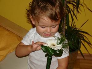 jůů, ta kytička je krásná! :-)