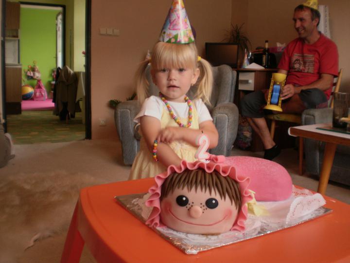 dort k 2 narozeninám Dorty k narozeninám, oslava narozenin   Terezčin dort k 2  dort k 2 narozeninám