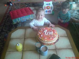 moje 1.narozeniny a dortík od mamky