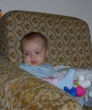 Učím se sedět :-)