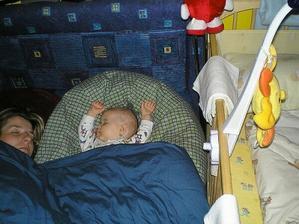 zase jsme s mamkou usnuli