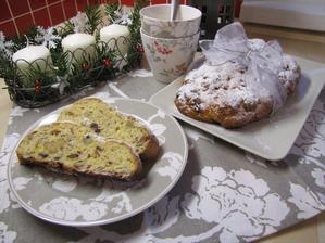 Tvarohová štola - peču ji každé Vánoce (pozn. do štoly ještě přidávám kandovanou citrusovou kůru)