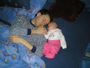mamka se šla jenom osprchovat a my jsme zatím s taťkou usnuli