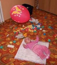 ...byla to bezkonkurenčně ta nejlepší hračka, jakou jsem kdy měla...do rána ale přestal létat (maminka z toho měla radost, protože celý den trnula, kdy mi praskne a leknu se)