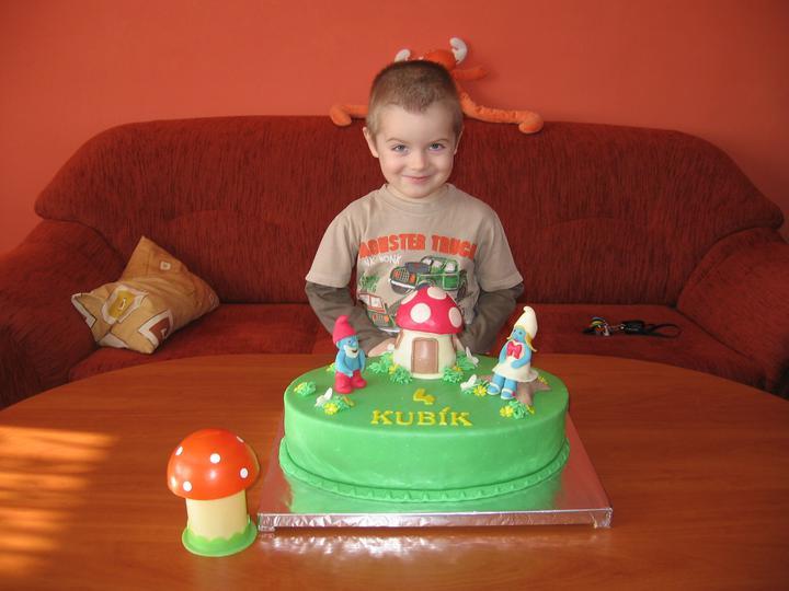 Oslavenec s dortíkem