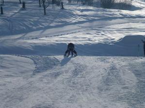 Kubíček poprvé na lyžích:-)