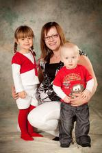 Máma a tři děti :-) ...skoro :-)