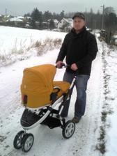 na procházce s tatínkem