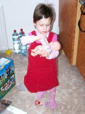 Dostala jsem lahvičku s mlíčkem pro své miminko...