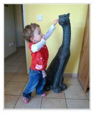 Na návštěvě u dědy - tady má čumáček kočička a tady Anička :)