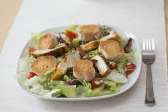 Caesar salát podle Jamieho 15 minut v kuchyni