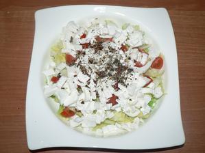 VEČEŘE: zeleninový salát se šmakounem a trochou salátového koření