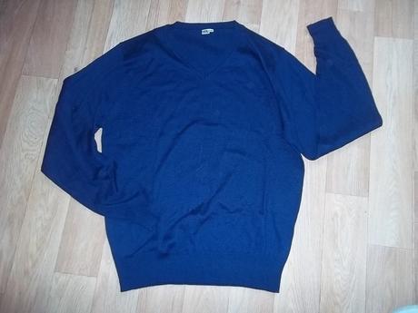 Tm. modrý svetr vel.m , m