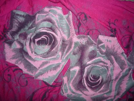 Růžový top s růžemi, s