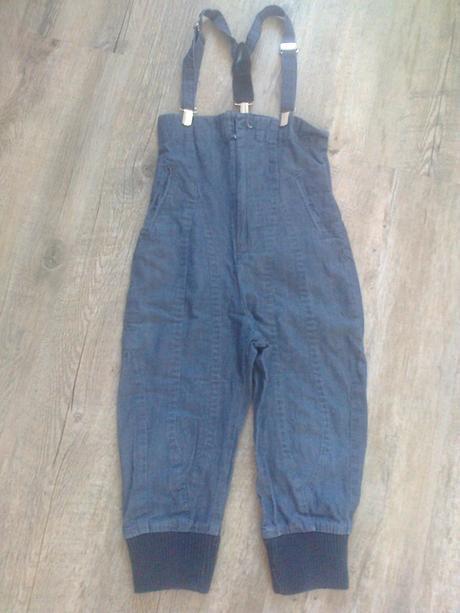 Kalhoty s vysokým pasem a kšandami, 86