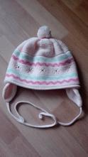 Dívčí čepice, 104