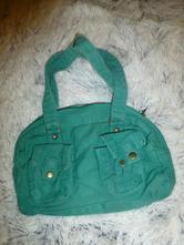 Malá zelená kabelka,