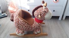 Houpací žirafa,