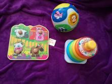Hračky pro menší děti,