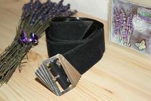 Černý retro pásek se stříbrnou přezkou,