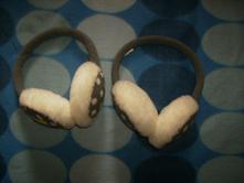 Klapky na uši, 128