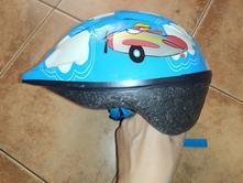 Cyklistická helma,