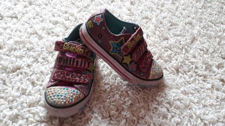 031714d0fa6 Blikající boty s kamínky