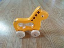 Dřevěné autíčko-koník,