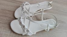 Bílé elegantní sandály - vel. 39, 39