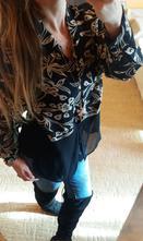 Černo-béžová šifónová květinová košile, l