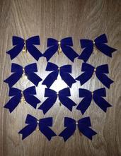 Vánoční dekorace - modré sametové mašličky,