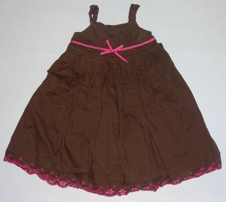 Hnědé šaty se spodničkou, 104