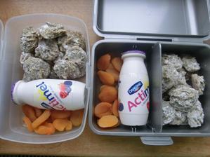 Makovo-citronové sušenky, actimel, sušené meruňky