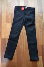 Černé elastické kalhoty, 116