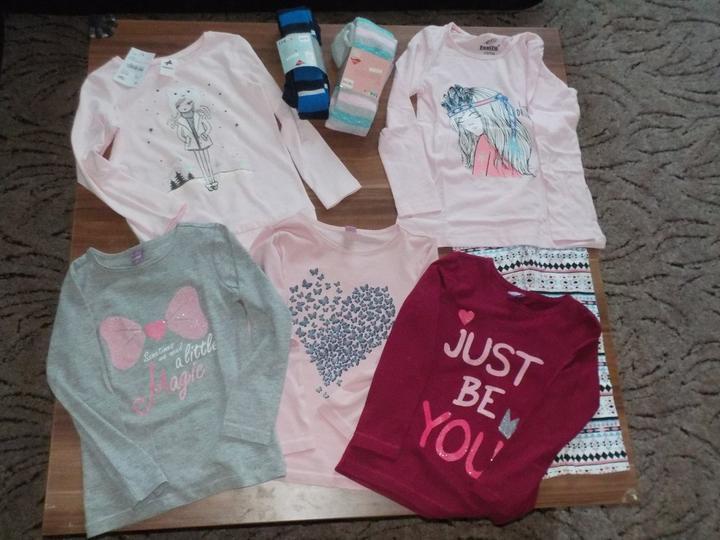 Po dlooouhé době jsme nakupovali větší množství věcí v obchodech a né přes net :-D, trička C&A a Takko, pyžámko a punčocháčky Lidl