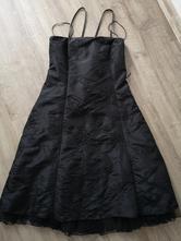 Dívčí šaty, l