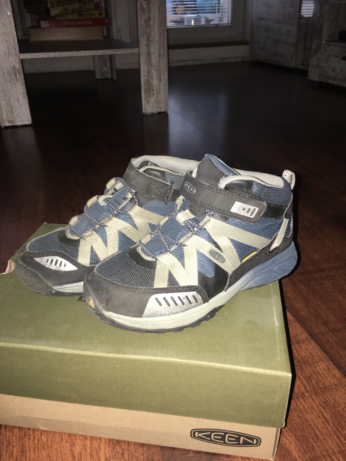 d779a8d8bd1 Celoroční chlapecké boty keen