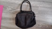 Černá kabelka,