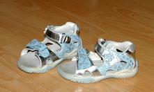 Stříbro-modré dívčí sandálky se zdravotní stélkou, 24