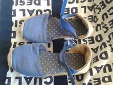 Sandálky, 33