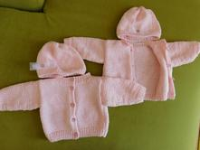 Pletený svetr s čepicí, 62