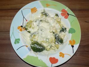 VEČEŘE: ovařená brokolice se sýrem 30%