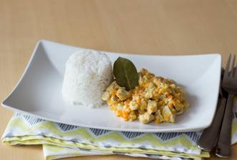 Kuře se zeleninou a smetanou, rýže