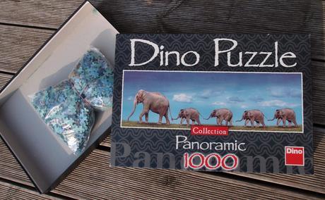 Dino puzzle panoramic 1000 - sloní rodinka,