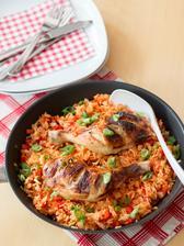 Ostré kuře s kořeněnou rýží