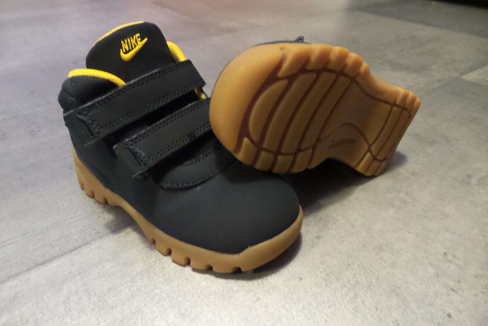 9ec62bb7590 Kotníčkové boty nike